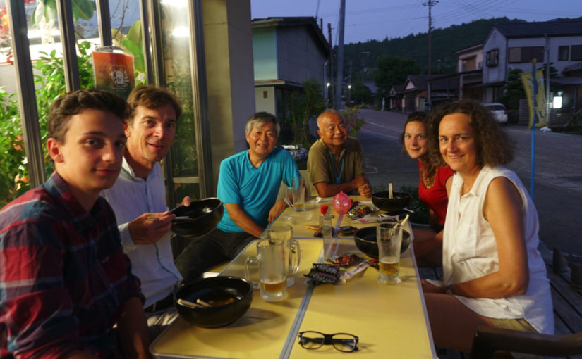 地元人と旅行者と企業をつなぐちかつゆビアガーデン